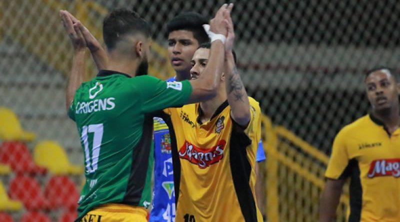 Magnus encara Pinda pelo Campeonato Paulista